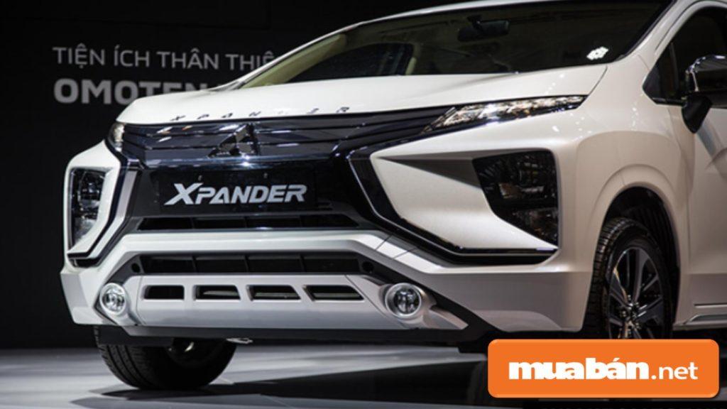 Xpander 2018 khá nổi bật khi có thiết kế kết hợp giữa vẻ ngoài của 1 chiếc SUV với bộ khung xe đa dụng.