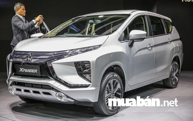 Mitsubishi Xpander được nhập khẩu trực tiếp từ Indonesia và hiện Toyota Rush và Xpander là cặp đối thủ cạnh tranh trực tiếp.