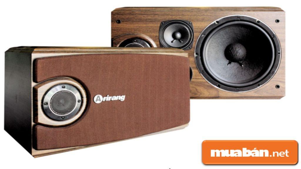 Loa karaoke với chất liệu gỗ thường được lựa chọn nhiều, vì nó được đánh giá là tạo ra chất lượng âm thanh tốt nhất.