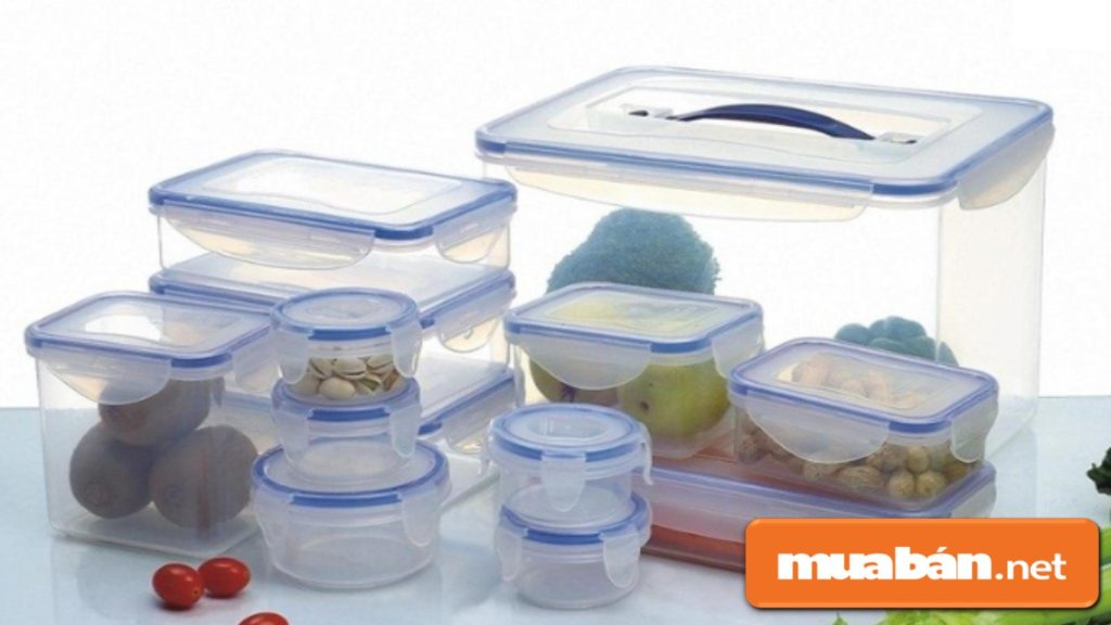 Hộp đựng thực phẩm sẽ giúp các bà nội trợ lưu giữ thực ăn một cách gọn gàng, sạch sẽ hơn.