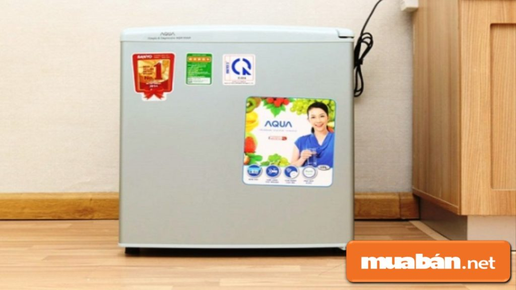 Kiểm tra kỹ tủ lạnh mini trước khi mua.