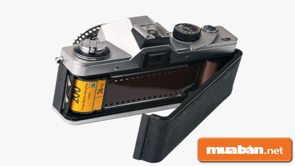 Dòng máy ảnh sử dụng phim 135.