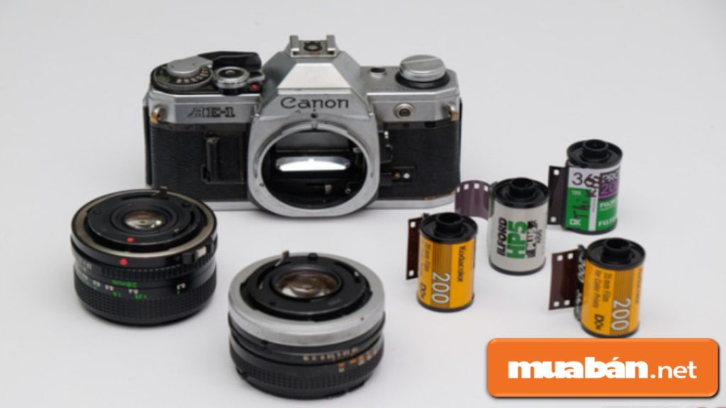 Máy ảnh và những thước phim sử dụng với máy.