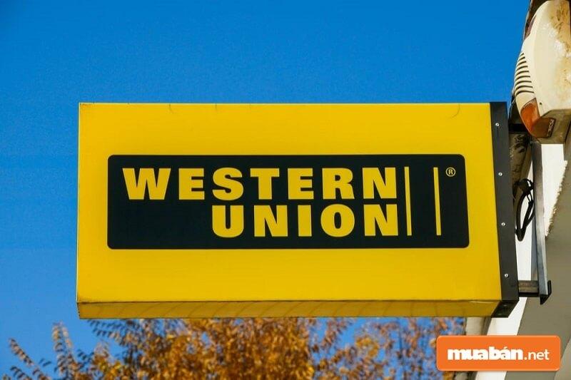 Western Union là dịch vụ chuyển tiền nhanh đi quốc tế hiện có trụ sở tại Mỹ và hiện đang hoạt động ở hơn 200 quốc gia