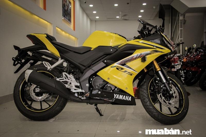 Yamaha R15 V3 2019 được thay đổi toàn diện so với thế hệ đàn anh từ ngoại hình, sức mạnh động cơ cho tới những trang bị đi kèm.