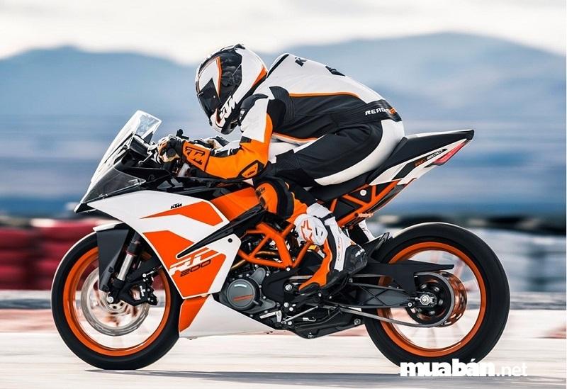 KTM RC200 2019 là mẫu xe sportbike đáng chú ý trong phân khúc xe phân khối lớn dưới 100 triệu.