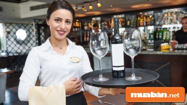 5 điều tối thiểu cần biết đối với nhân viên phục vụ nhà hàng.