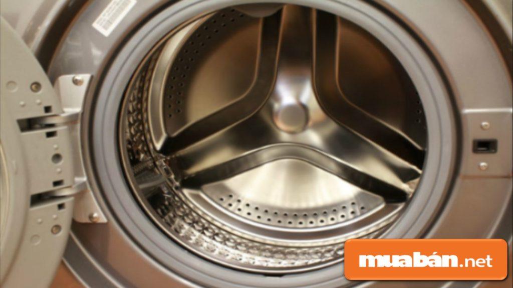 Phải thường xuyên vệ sinh lồng giặt tránh cặn bám vào sau các lần giặt.