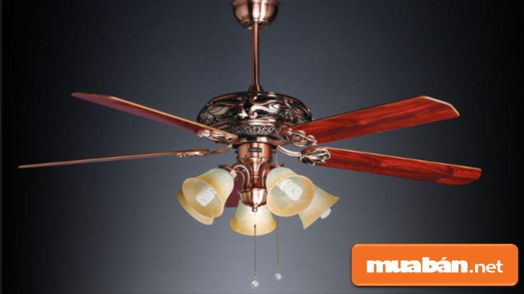 Nên lựa chọn những sản phẩm quạt trần có màu sắc và kiểu dáng hài hòa với nội thất trong phòng.