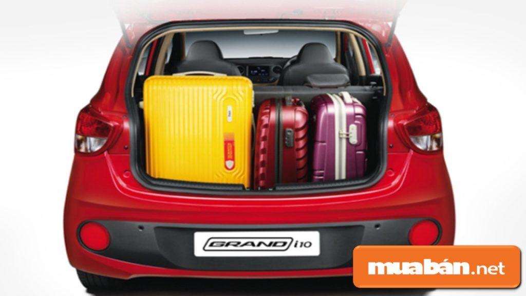 Khoang chứa đồ khá rộng rãi, giúp bạn đựng được nhiều hành lý, vật dụng khi di chuyển xa.