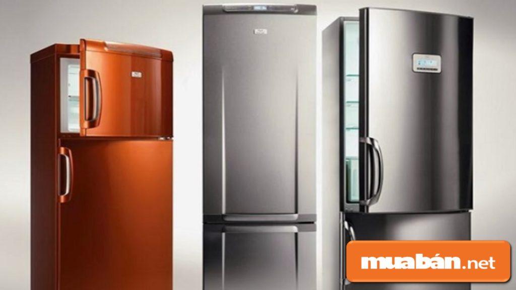 Tủ lạnh ngăn đá dưới thường được đầu tư thiết kế khá đẹp.