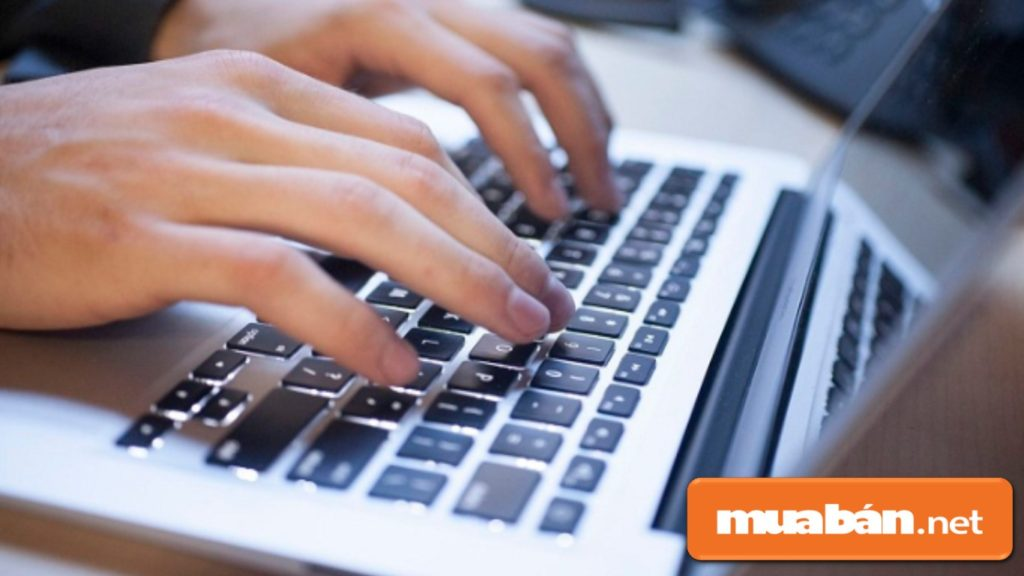Tra cứu và tìm hiểu kỹ các thông tin liên quan về công ty trên internet.