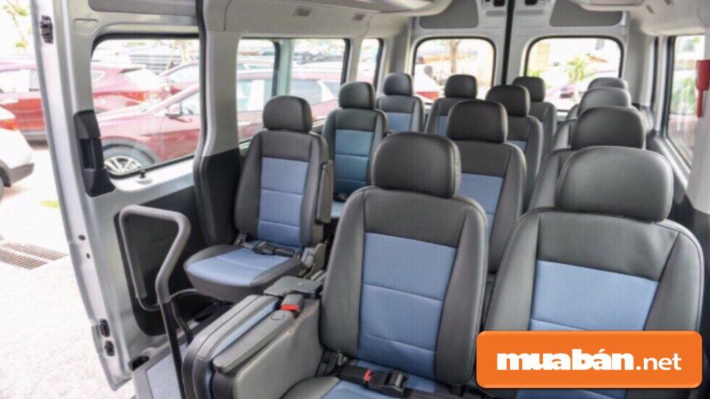 Lựa chọn cỡ xe phù hợp với số người tham gia hành trình và thời gian di chuyển.