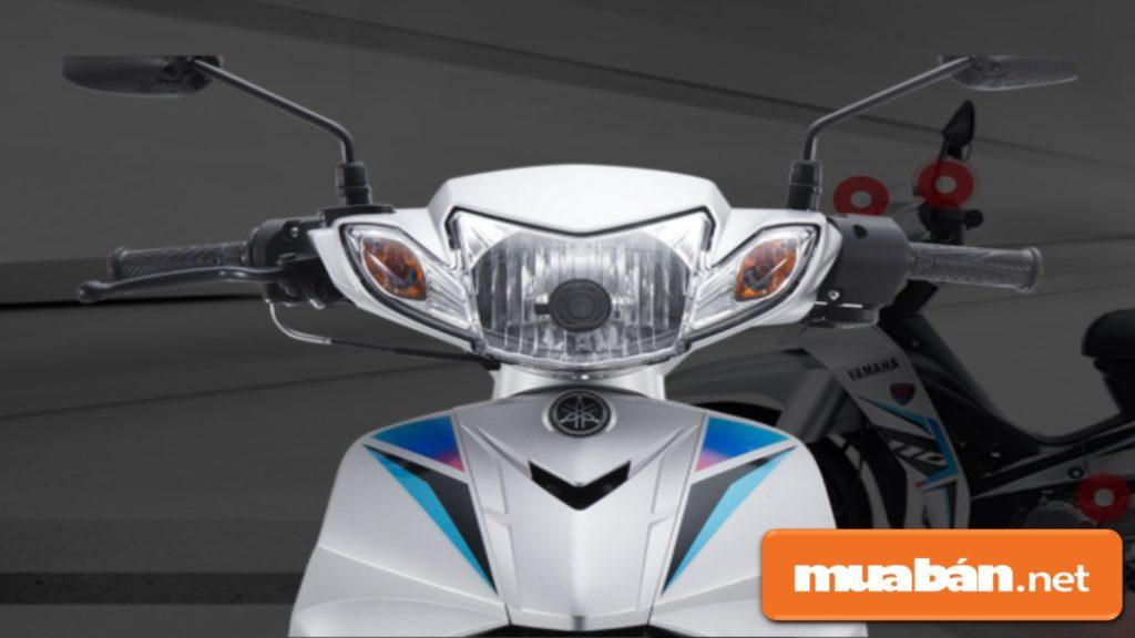 Đèn pha Halogen HS – 1 công suất 35W kết hợp với đèn xi nhan, tạo sự tinh tế hiện đại.