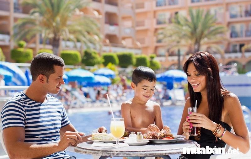 Khách sạn có phục vụ bữa ăn sáng