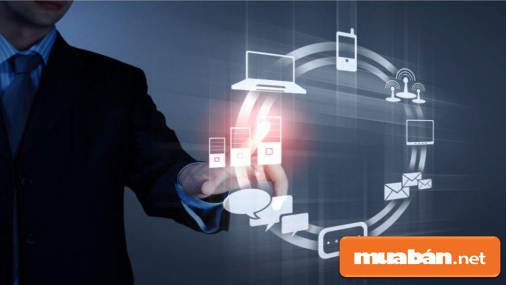 Công nghệ thông tin là sử dụng máy tính và các phần mềm để chuyển đổi, lưu trữ, xử lý, truyền, bảo vệ, thu thập thông tin.