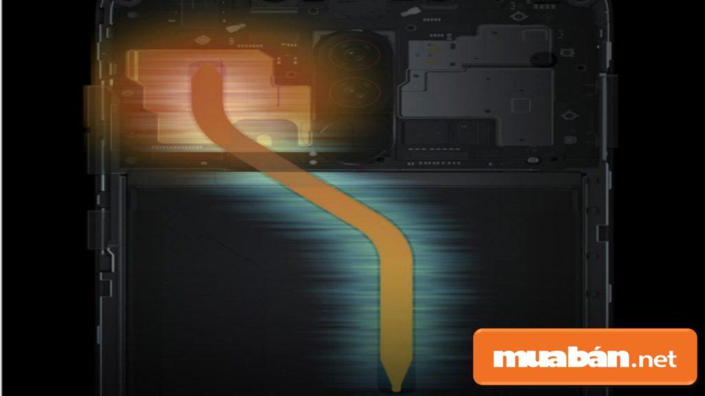 Xiaomi Pocophone F1 được hỗ trợ tính năng tản nhiệt giúp làm mát máy trong suốt quá trình sử dụng.
