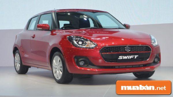 Suzuki Swift được thiết kế khá nhỏ gọn bên ngoài, rộng rãi với khoang nội thất bên trọng.