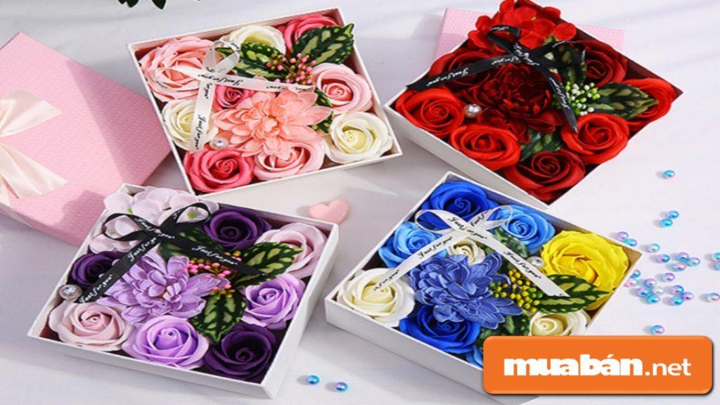 Ngoài tặng hoa hồng tươi, bạn có thể chọn hoa hồng sáp để nàng lưu giữ được lâu hơn.