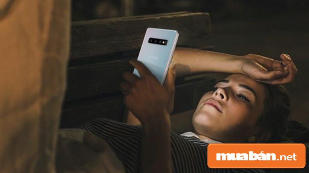 Samsung Galaxy S10 có dung lượng pin 3400mAh.