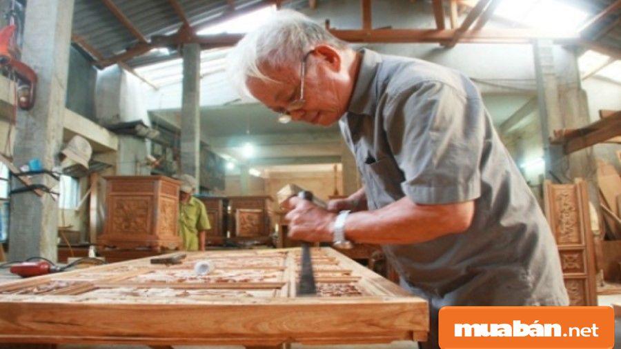 Thợ mộc là từ khá quen thuộc dùng để chỉ những người làm công việc liên quan đến gỗ (mộc).
