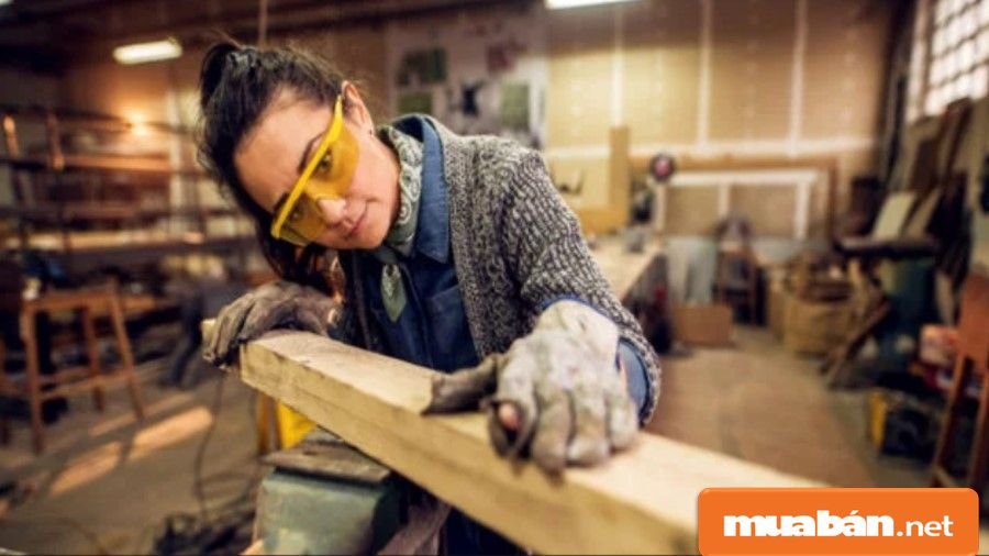 Nghề mộc đang có xu hướng trẻ hóa do số lượng người trẻ đam mê với nghề ngày càng nhiều.