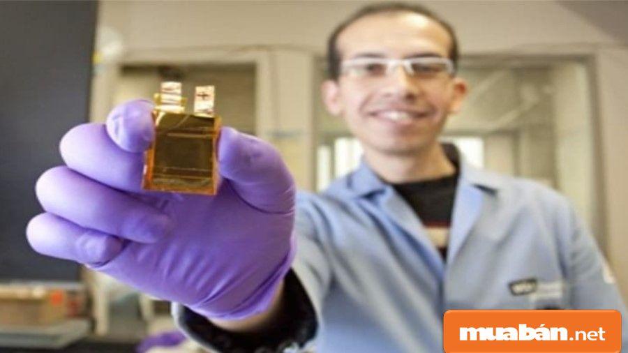 Huawei nghiên cứu và phát triển vật liệu graphene để tăng mức độ chịu nhiệt nhiều hơn.