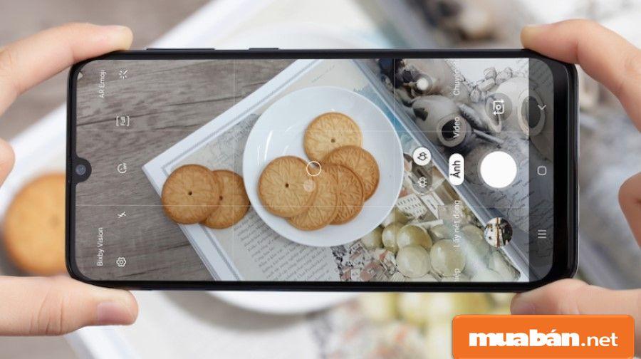 Đện thoại mới 2019 này của Samsung lại được hỗ trợ camera khá khủng.Đện thoại mới 2019 này của Samsung lại được hỗ trợ camera khá khủng.