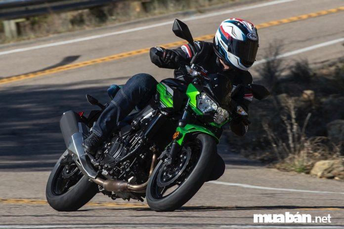 4 Mẫu naked bike được yêu thích và giá xe phân khối lớn Kawasaki tháng 4/2019