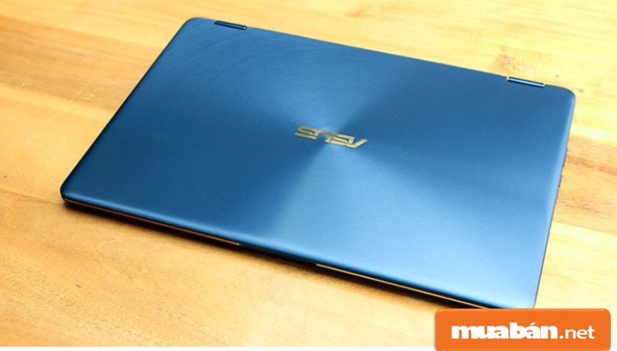 Asus Zenbook Flip S được thiết kế khá sang trọng và hiện đại với những đường vân tinh tế.