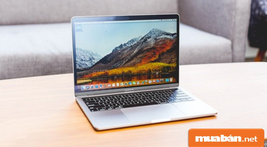 Macbook Pro Touch MR932SA/A 2018 được coi là 1 trong những laptop mới nhất hiện nay của Apple.