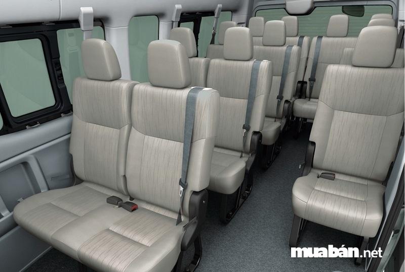 Nội thất xe 16 chỗ Nissan NV350