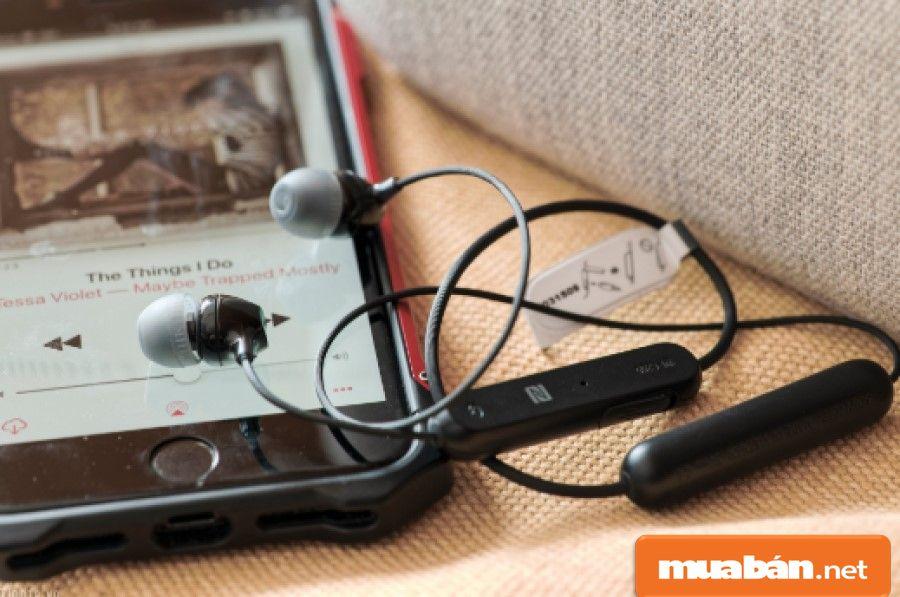 Hãy kiểm tra thời gian sử dụng pin của tai nghe bluetooth để sử dụng thoải mái hơn.