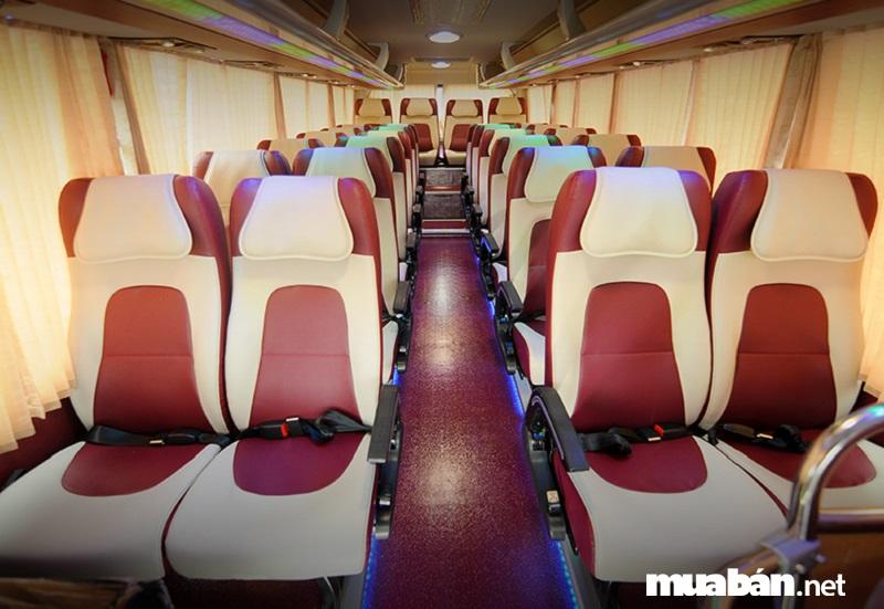 Xe du lịch 29 chỗ Thaco Town