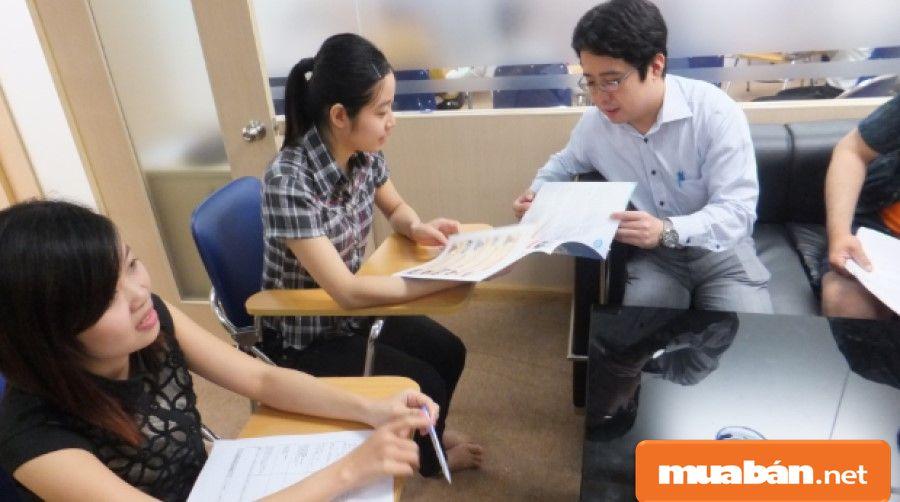 Bạn phải thường xuyên rèn luyện kỹ năng phân tíchvà thuyết phục khách hàng.