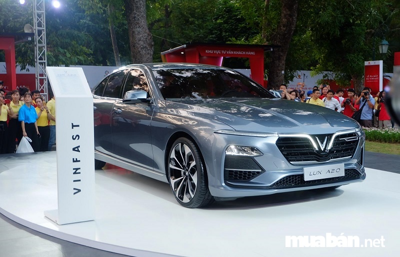 Xe ô tô Vinfast Lux A2.0