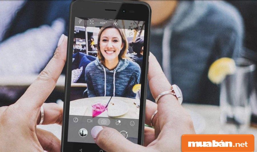 Camera đáp ứng tốt nhu cầu chụp ảnh cơ bản của bạn với camera chính có độ phân giải 5Mp, camera trước 2Mp.
