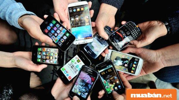 Mua sắm hàng xay tay đang dần trở nên phổ biến - nhất là các sản phẩm điện thoại.