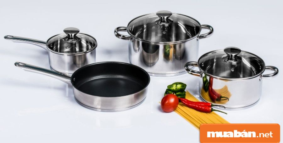 Bộ nồi, xoong, chảo là những món đồ không thể thiếu trong bếp nhà bạn.