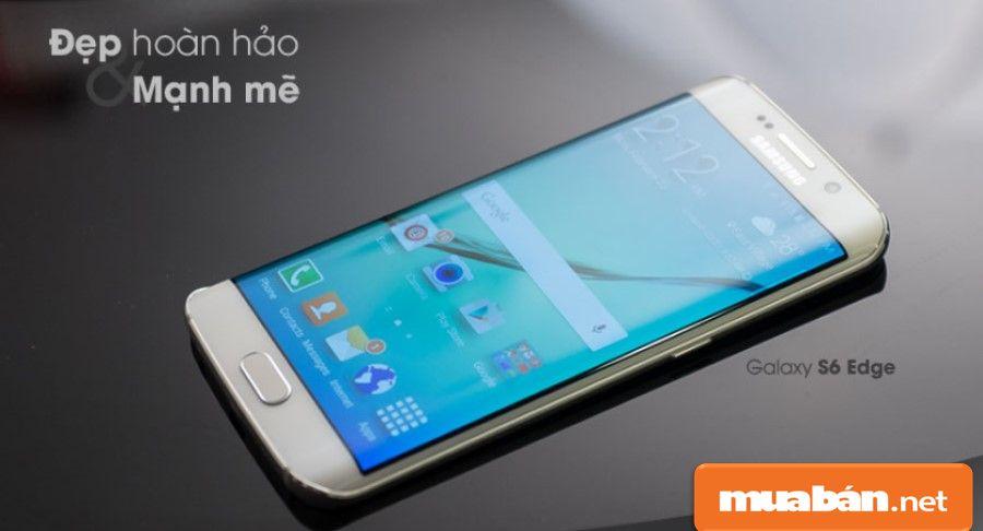 Màn hình được Samsung tạo độ cong bởi công nghệ nung và cắt tiên tiến nhất.