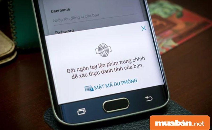 Cảm biến vân tay nằm ngay nút Home giúp bảo mật các dữ liệu và hình ảnh của bạn.