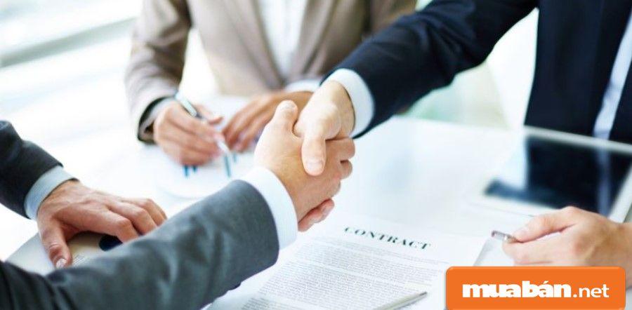 Bạn nên tìm hiểu và thỏa thuận các thông tin sang nhượng từ chính chủ để an toàn hơn.