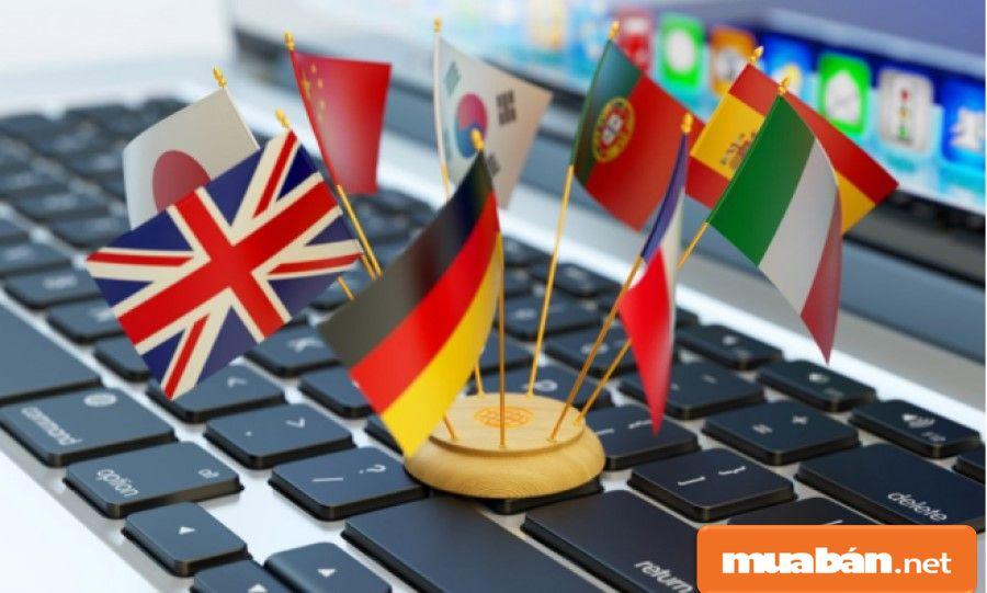 Dịch thuật là việc làm part time cho sinh viên khối ngành ngoại ngữ rèn luyện kỹ năng.