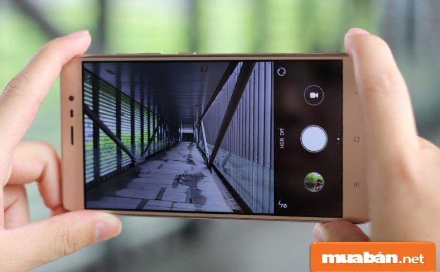 Bộ đôi camera trên Redmi Note 3 có khả năng chụp hình và lưu hình với tốc độ khá ổn.