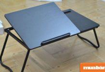 Bạn nhớ mở bàn đặt trên mặt phẳng để kiểm tra xem có bị chênh hay lỏng các khớp nối giữa các bộ phận không nhé?