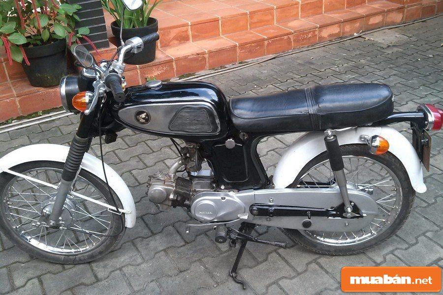 Honda 67 rất phù hợp với những bạn yêu thích phong cách thể thao bụi bặm, hoài cổ.