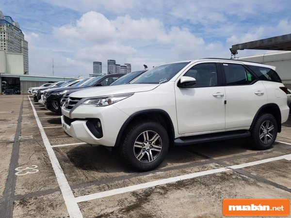 Gia Xe Fortuner 1
