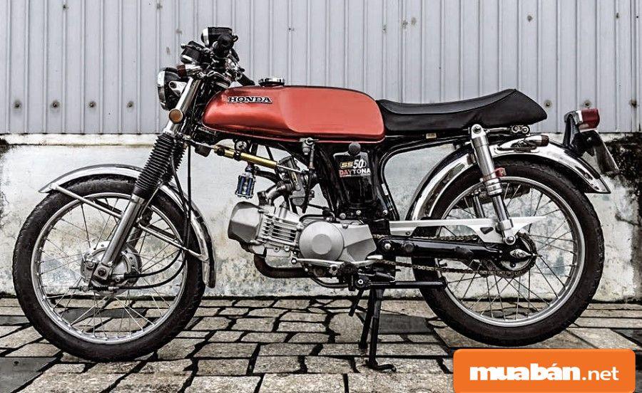 Xe tay côn Honda 67 cũ được tín đồ mê xe độ lại với phong cách khá ấn tượng, phá cách.