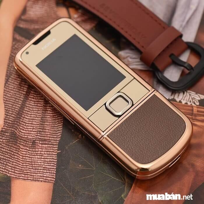 8800 Gold - mẫu điện thoại sang chảnh cho doanh nhân