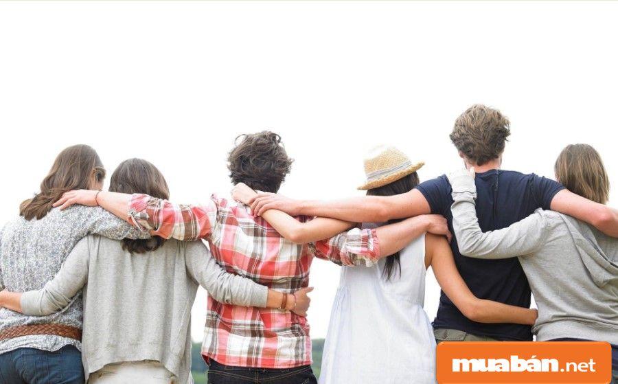 Bạn có thể nhờ mối quan hệ bạn bè, người thân, đồng nghiệp tìm kiếm giúp...